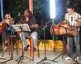 Dedican la Peña Cultural La Casa del Arbol a la causa de los Cinco.